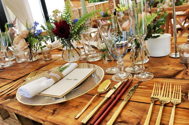 Tisch Tafel gedeckt Hochzeit