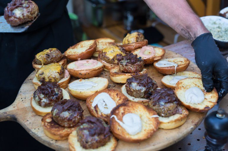 Mini Hamburger Firmenfest Catering Fingerfood